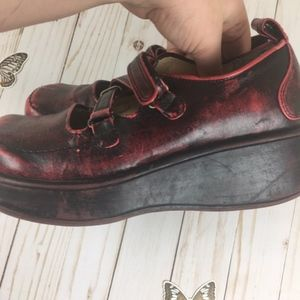 Report Shoes - Report Red Chunky Distressed Platform Shoes